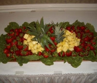 PineappleStrawb-Tray